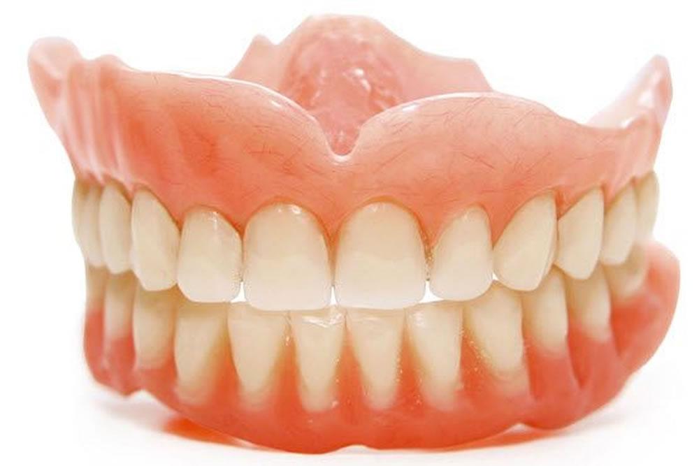 入れ歯の製作・メンテナンス
